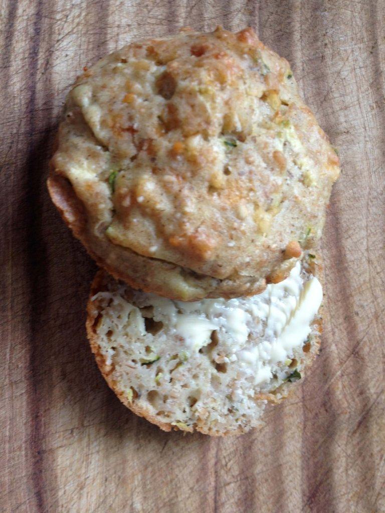 Savoury muffins zucchini and pecorino